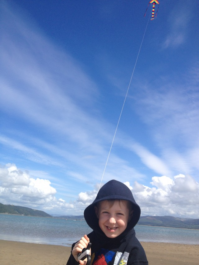 Kite flying - Ynyslas
