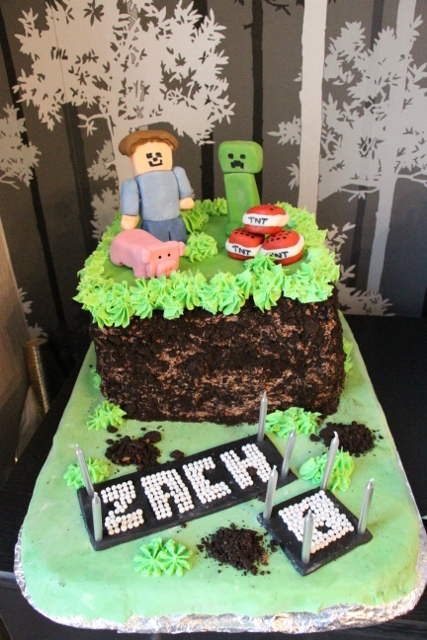 Minecraft Cake by The Rustic Caterer